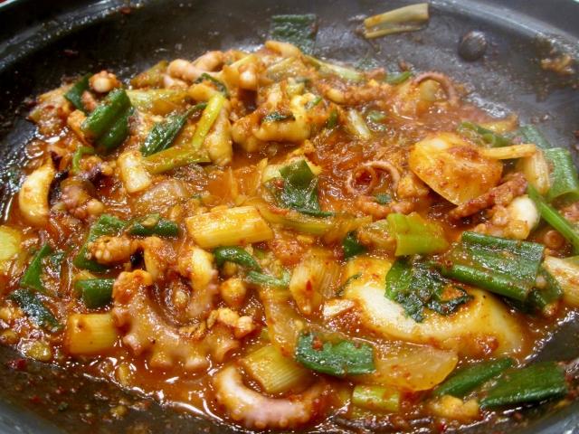 韓国料理・釜山式のナクチポックンのレシピ・作り方
